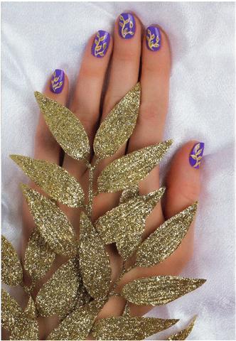 Рисунок на ногтях — золотая ветвь