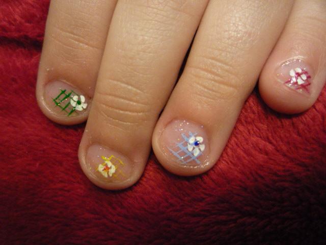 Очень красивый маникюр на коротких ногтях в домашних условиях