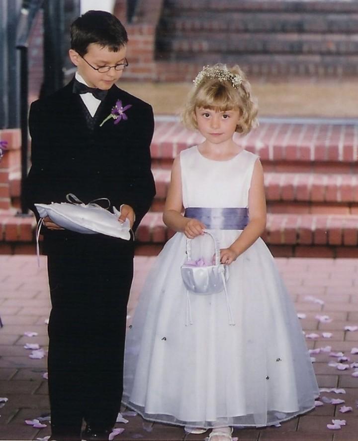 Нарядный малыш на свадьбе - гордость родителей (3)