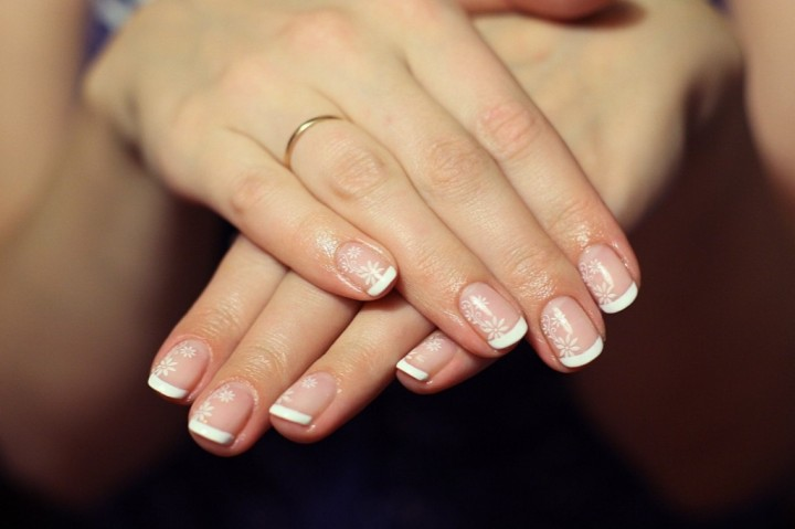 Какие преимущества использования биогеля для ногтей (1)