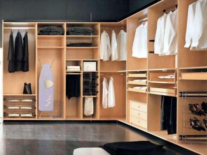 Как правильно организовать гардеробную комнату?2