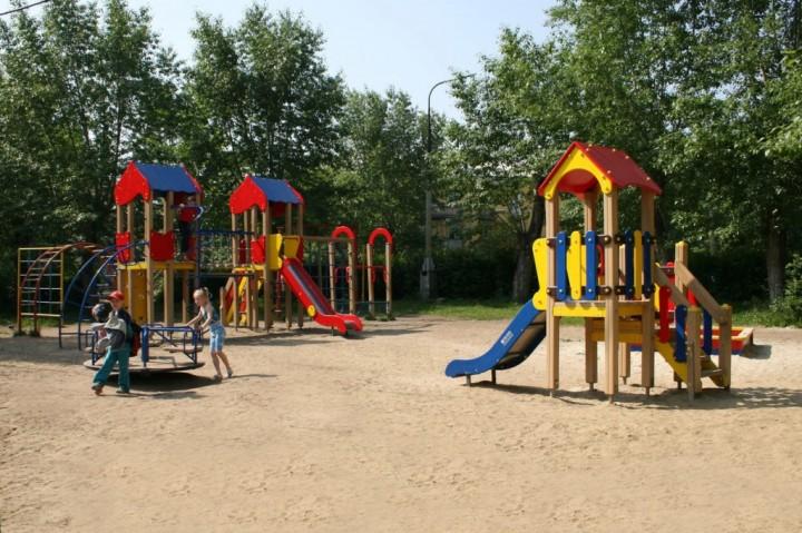 Безопасность посещения детских площадок3