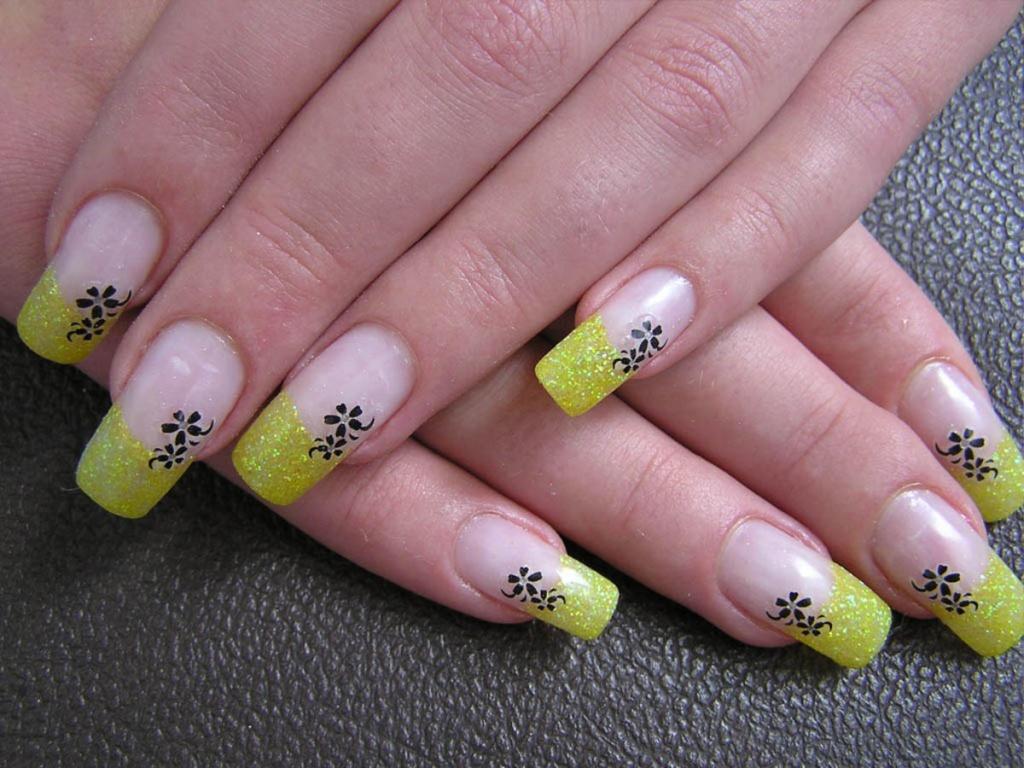 Дизайн ногтей акриловыми красками роспись