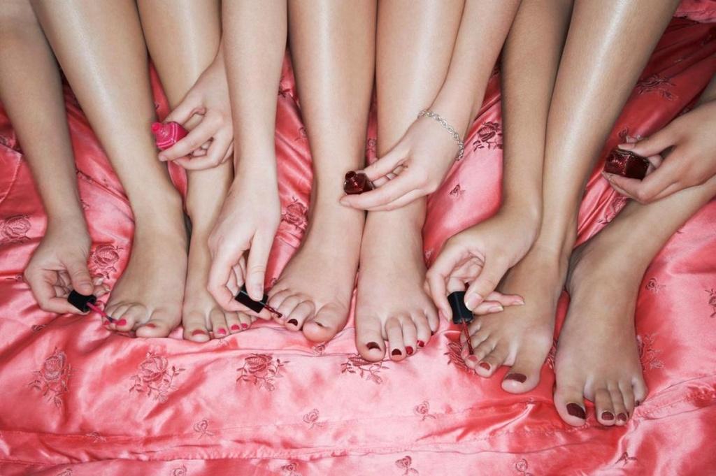 молоденькие женские пальчики фото