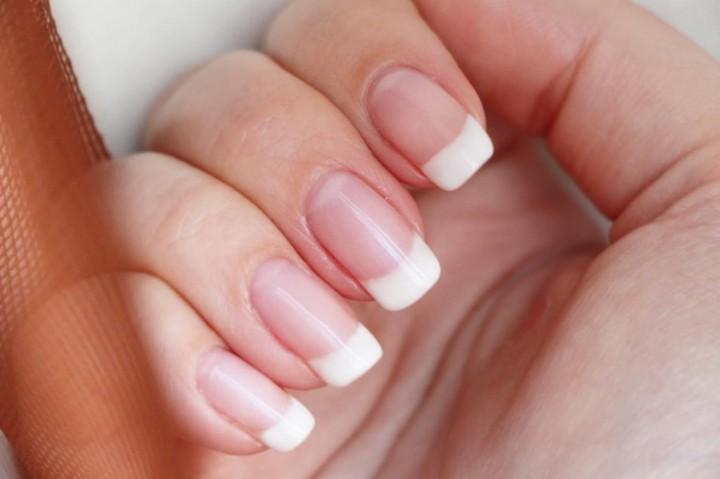 Почему ногти, росшие правильно, загибаются?3
