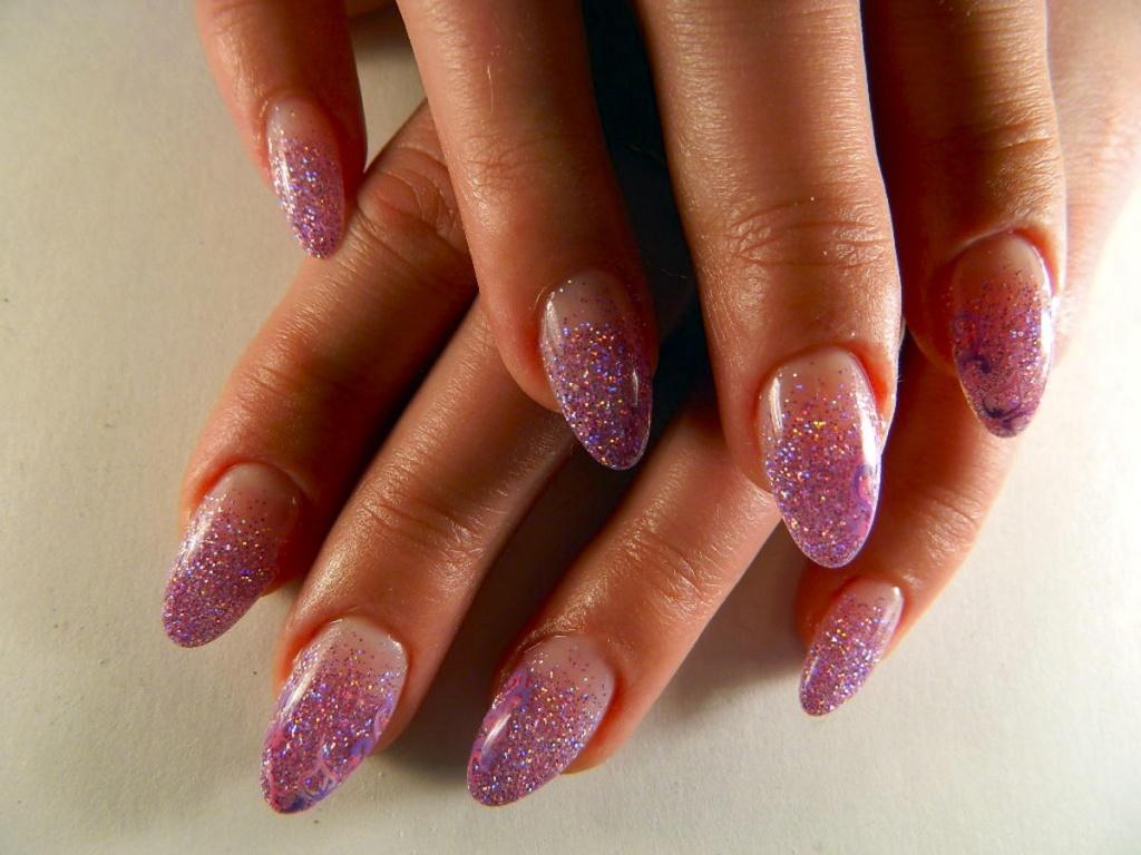 Фото дизайна ногтей с блестками