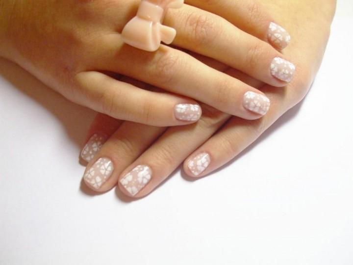 Как спасти слоящиеся ногти рук