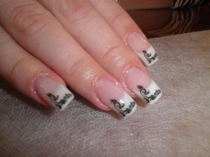 Достоинства и недостатки искусственных ногтей2