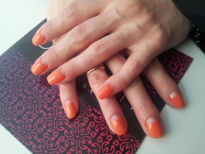 Как сохранить красоту ногтей в течении длительного времени?2