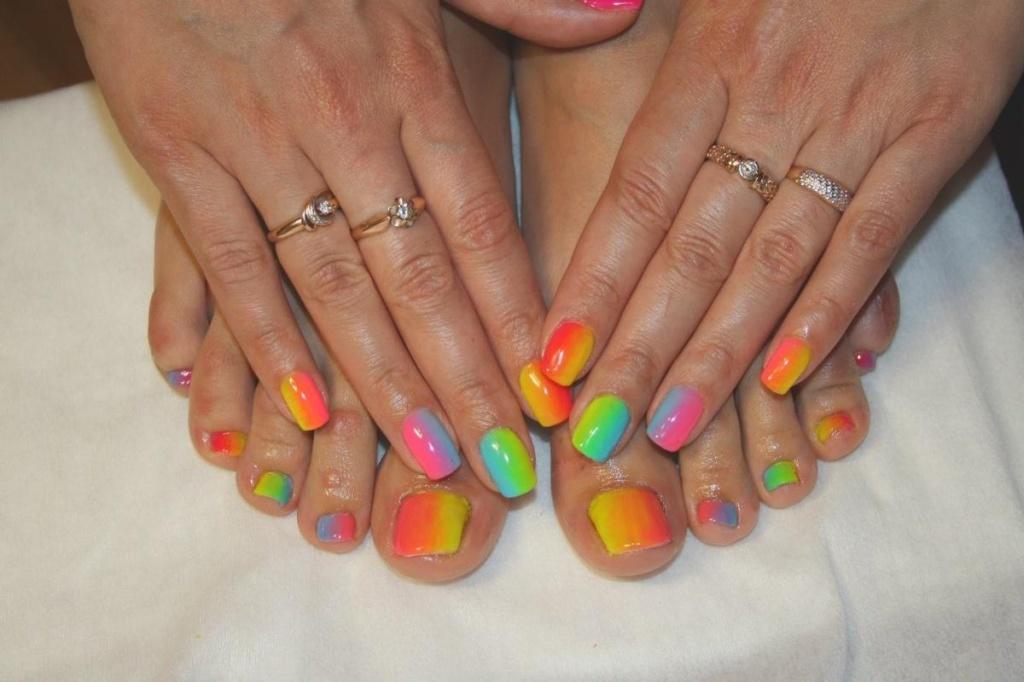 Дизайн нарощенных ногтей современные