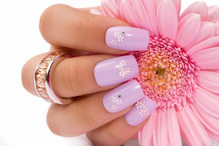 Акрил и женские ногти4