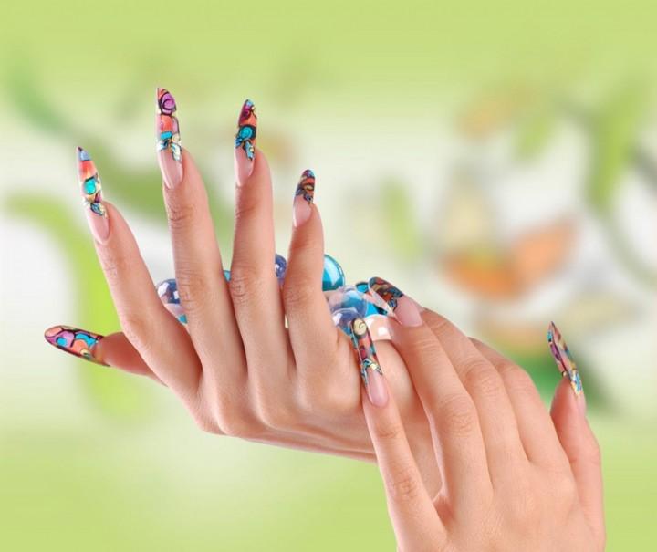 Что выбрать: наращивание ногтей или покрытие шеллак
