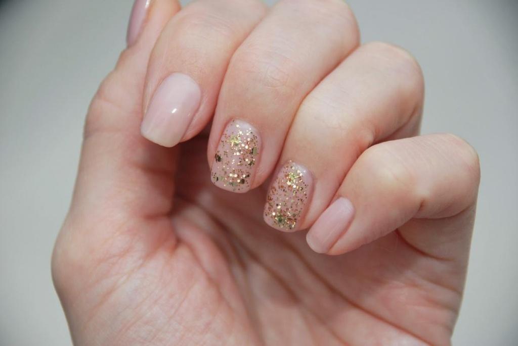 на фото круглую ногтей лак форму гель