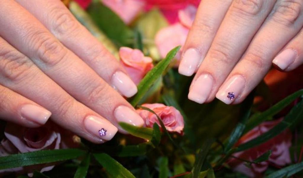 Гелевые ногти на маленькие ногти