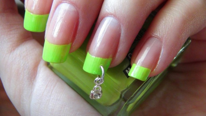 Пирсинг ногтей или возращение моды на подвески