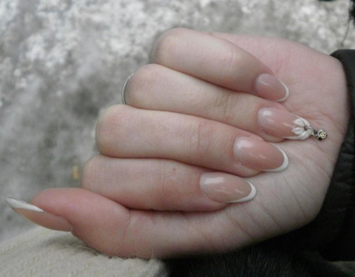 Пирсинг ногтей или возращение моды на подвески5