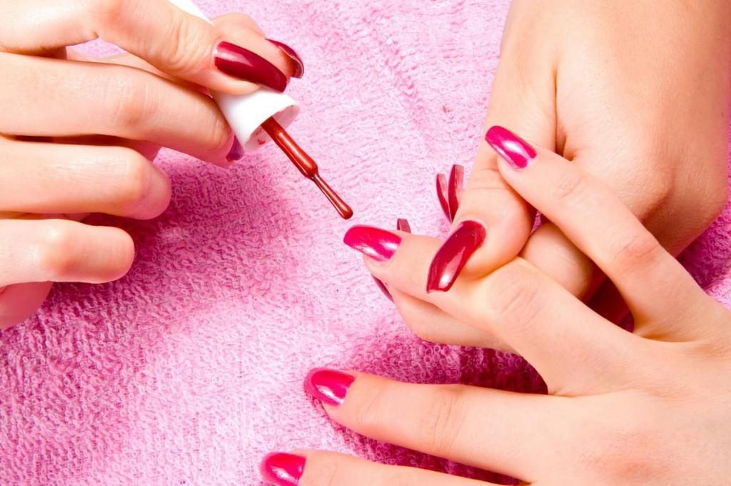 Приснившиеся обкусанные ногти сулят вам участие в важном и ответственном мероприятии.