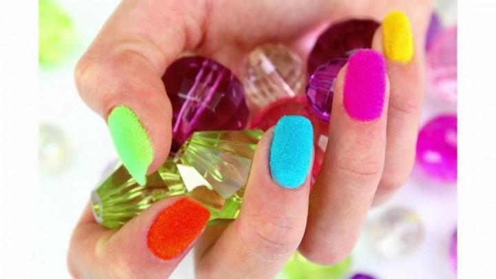 Необычные лаки для ногтей 4