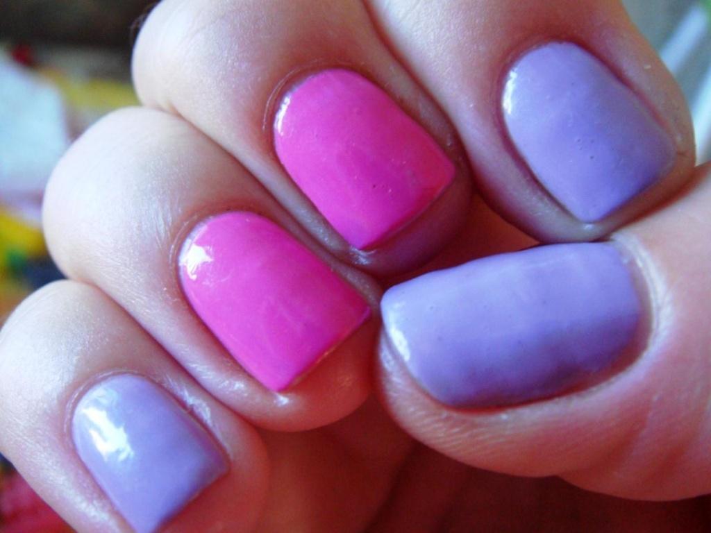 Маникюр разный цвет на каждой руке